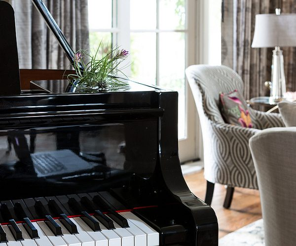 Austin: Baby Grand Piano Living Room